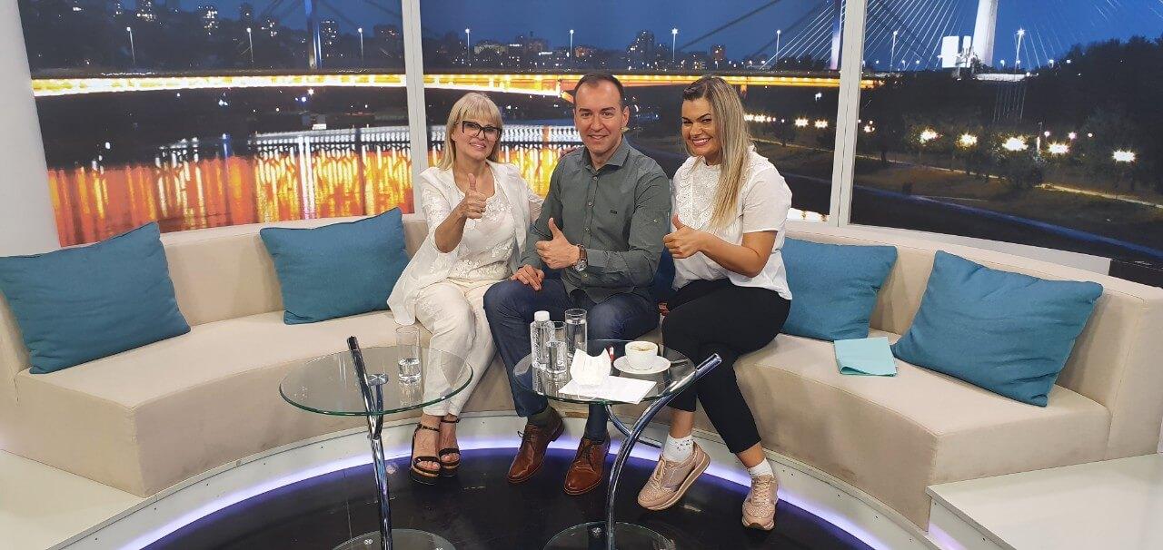 Sjajan novinar Nemanja Velikić (@tvnemanja) domaćin dr Ani i sestra Milici na snimanju emisije #Svitanje na #rtvpink - u.