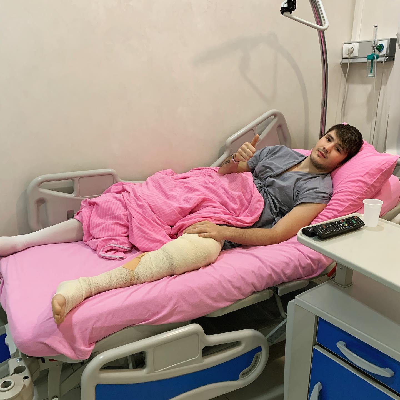 Naš zadovoljni pacijent 2h nakon artroskopske operacije kolena... @drglix